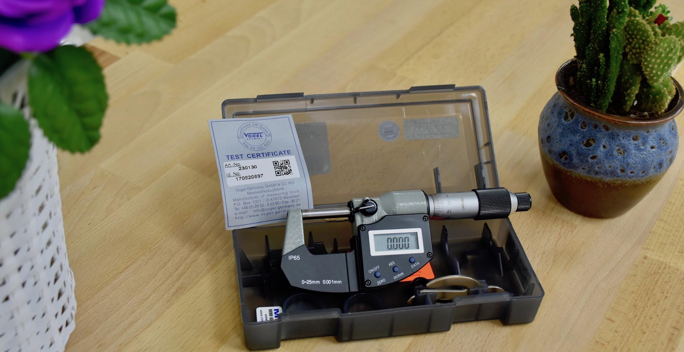 thước panme điện tử 0-25mm chống nước IP65.