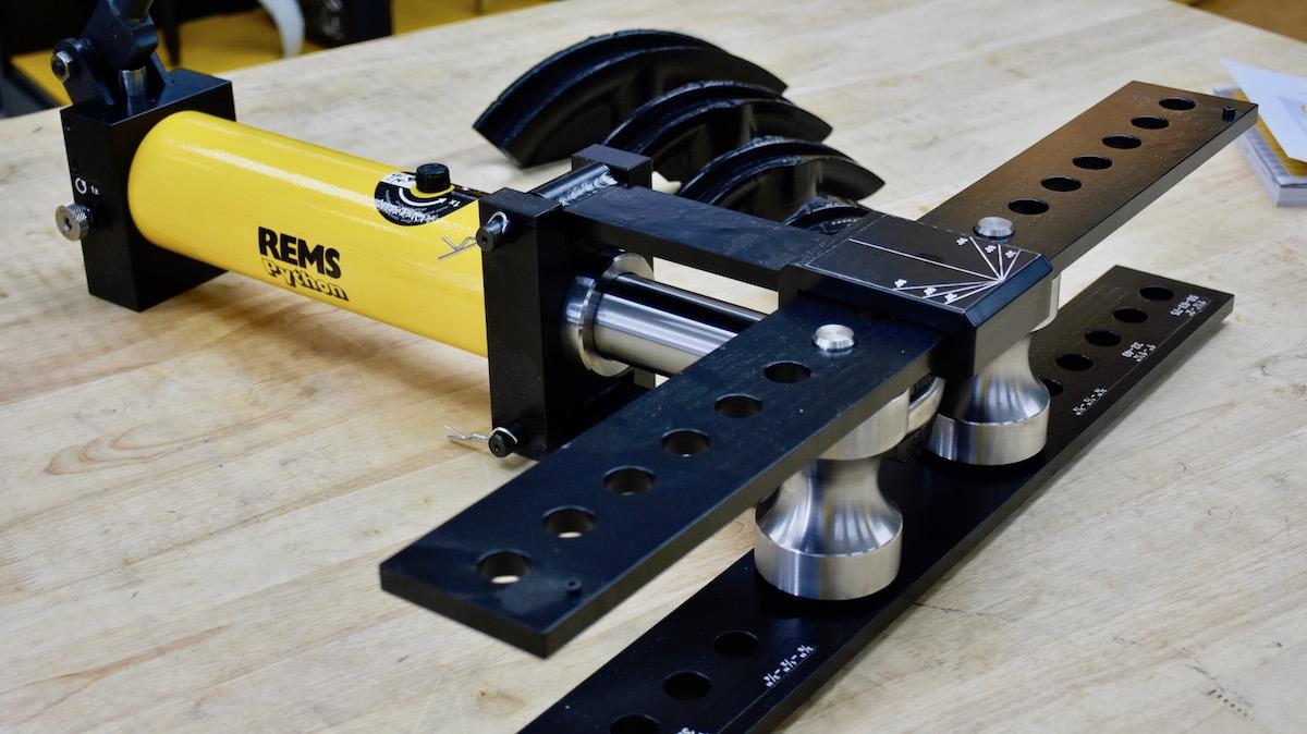 REMS Python máy uốn ống bằng thủy lực tích hợp bơm