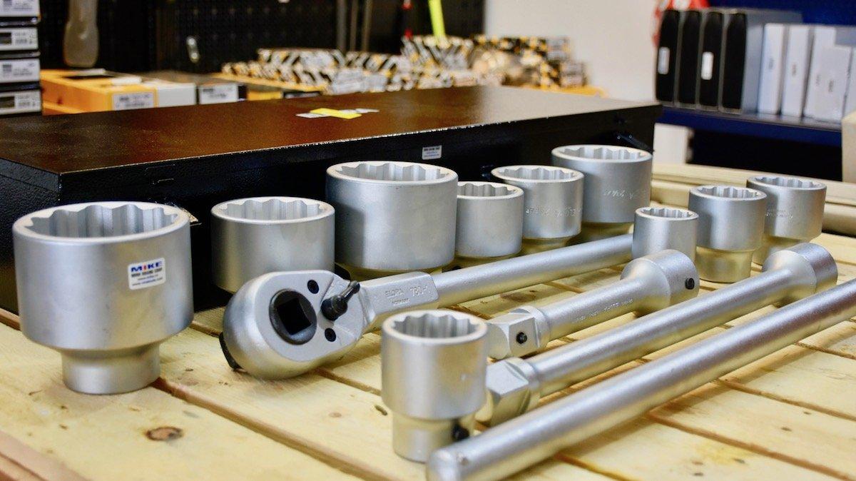 Bộ tuýp hệ mét 36- 80mm 14 món ELORA 780-10M, đầu vuông 1 inch, bộ socket hệ mét.