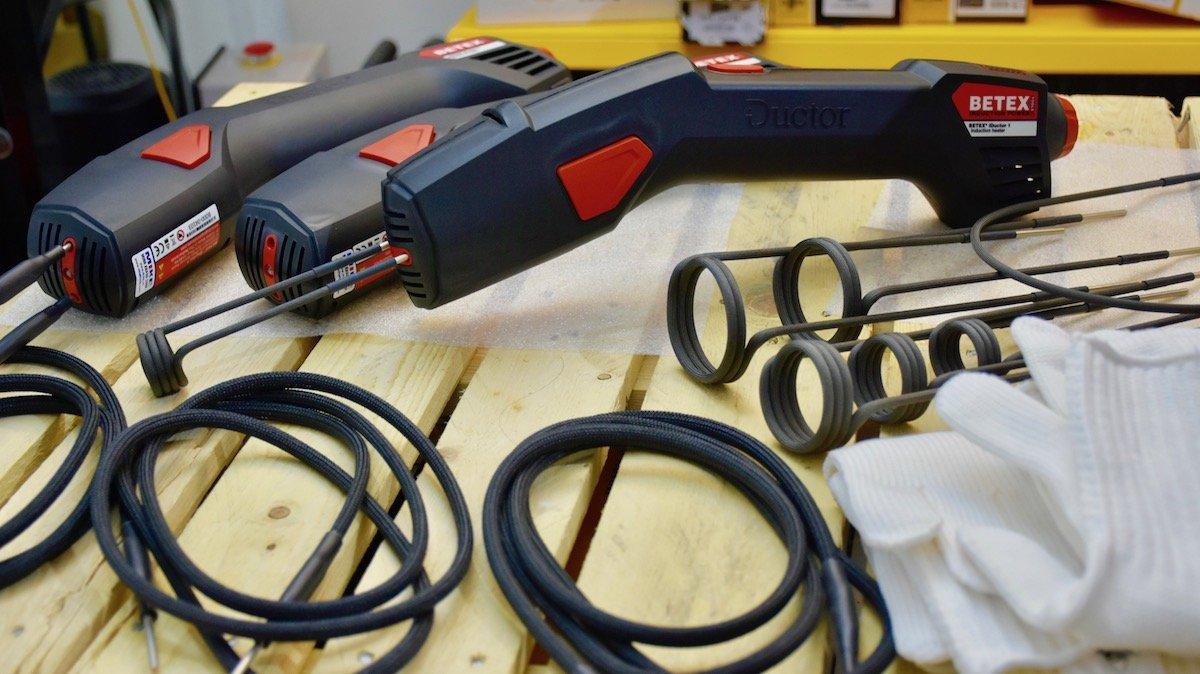 Máy gia nhiệt cầm tay iDuctor, gia nhiệt trung tần dùng cuộn dây