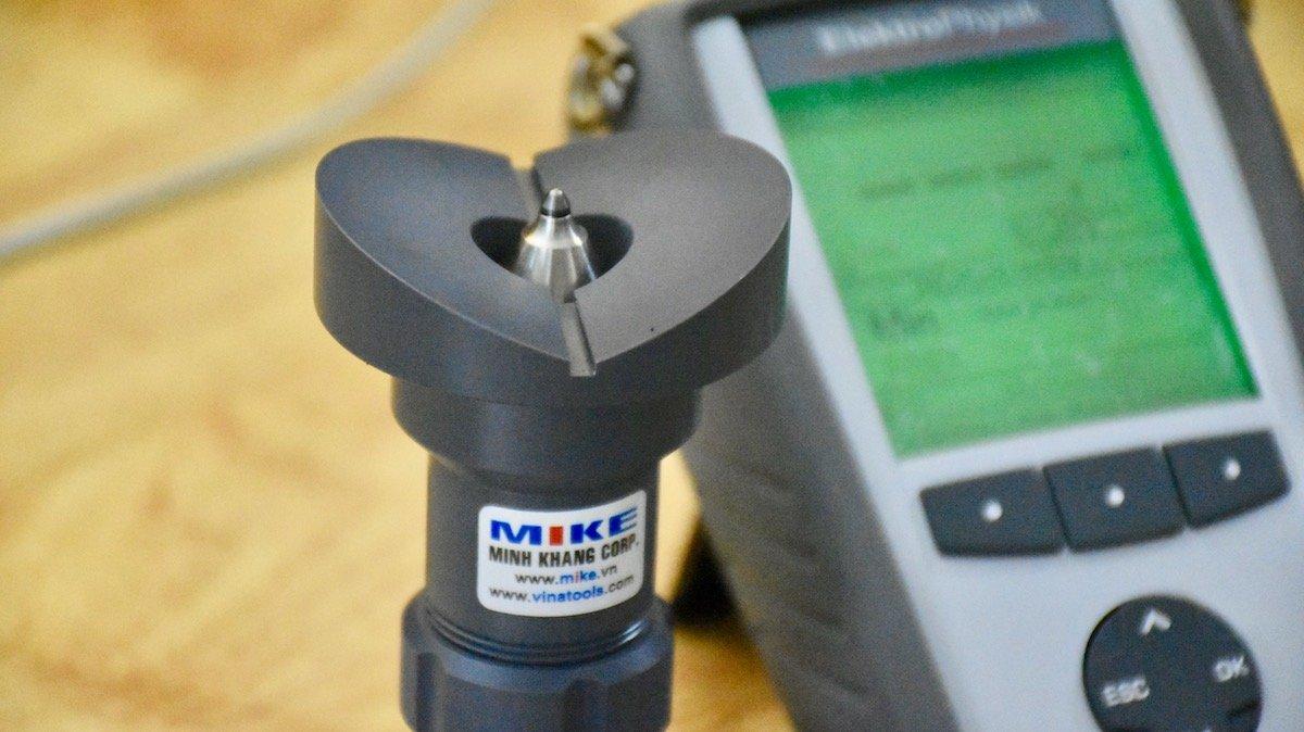 Máy đo thành chai nhựa Minitest 7200 FH