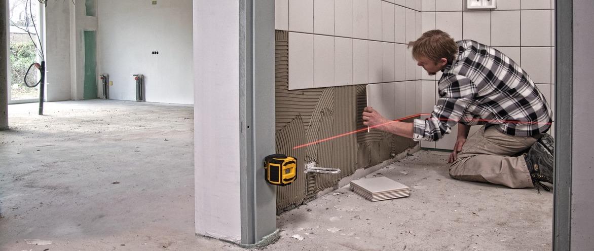 LAX300 ứng dụng ốp gạch tường.