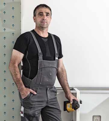 LAX400 trợ giúp người làm mộc trong ngành xây dựng.