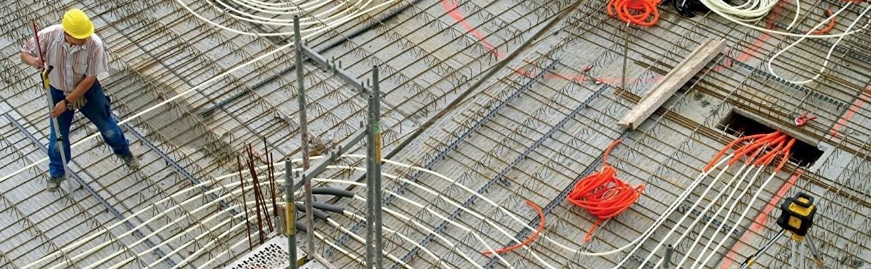 Thi công đổ sàn bê tông cốt thép dung máy laser Stabila