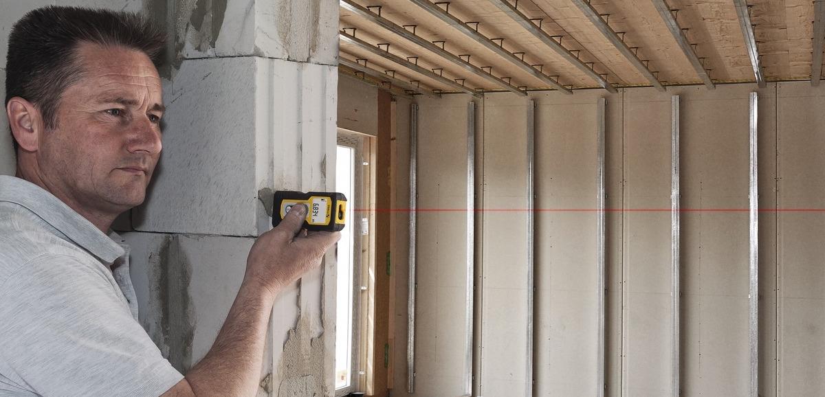 Máy đo khoảng cách trong ngành xây dựng dân dụng.