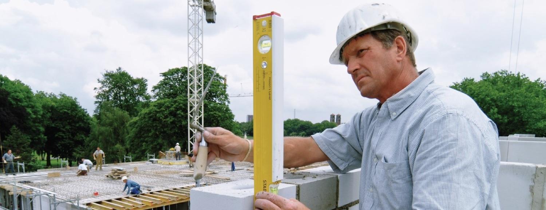 Thước thủy cho thợ xây dựng sản xuất tại Đức