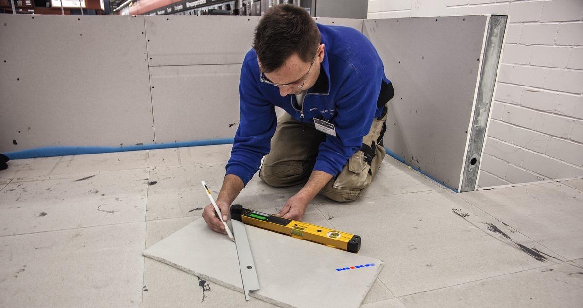 Thước nivo điện tử TECH 700 DA đo góc nghiêng 3 torng 1