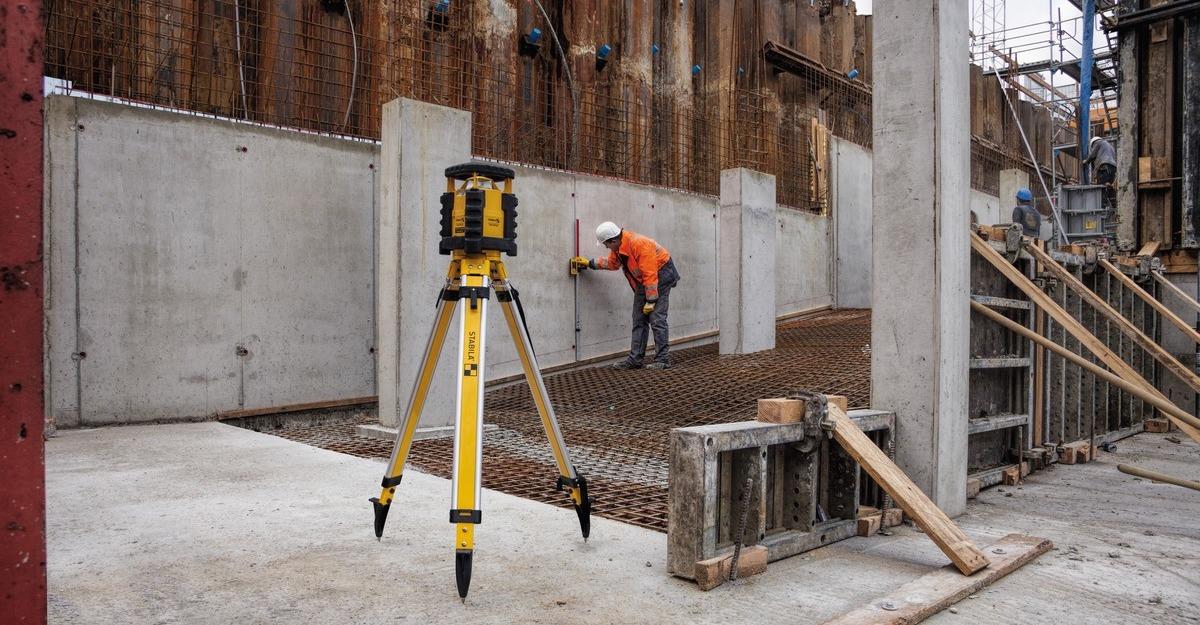 thi công kết cấu kim loại dùng máy cân bằng tia laser LAR-350