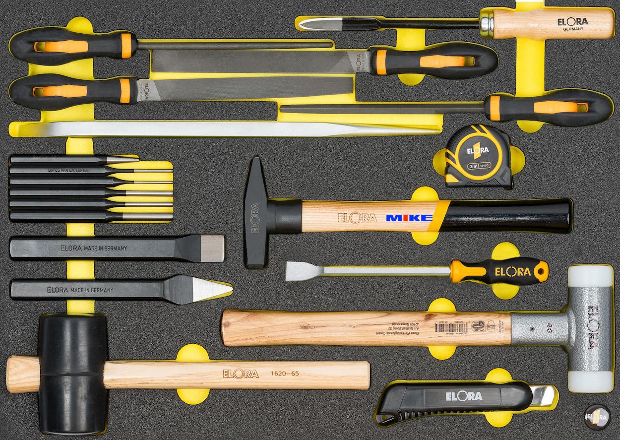 Bộ dụng cụ OMS-45 bao gồm các loại búa, giũa, đục, dao cạo